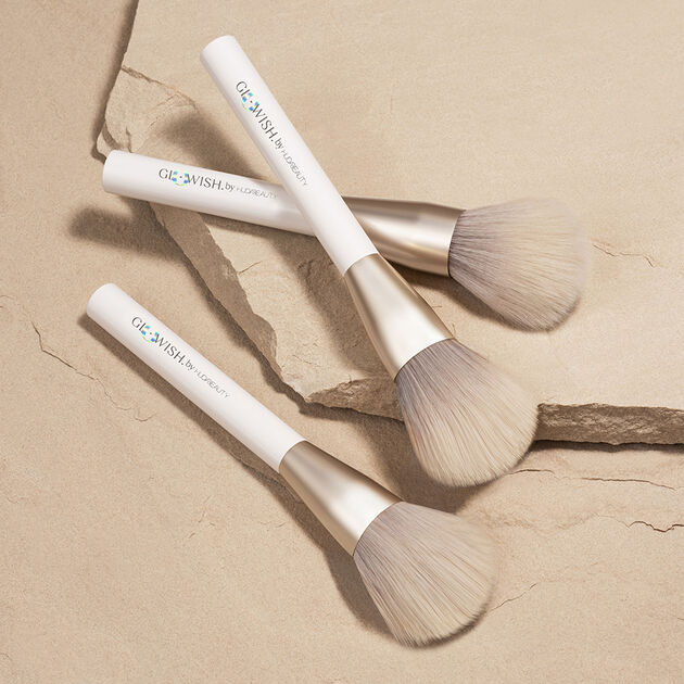 GloWish All Over Face Powder Brush, , hi-res
