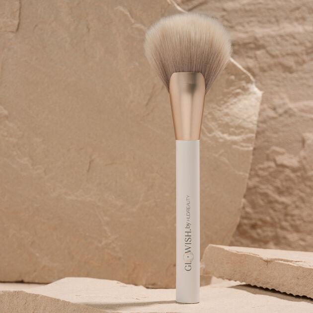 GloWish Airbrush Finish Skin Tint Brush, , hi-res